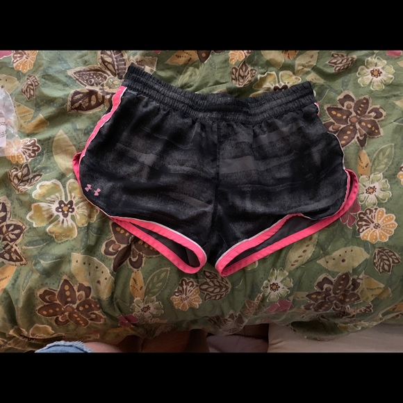 Under Armour Pants - under armour workout shorts breast cancer